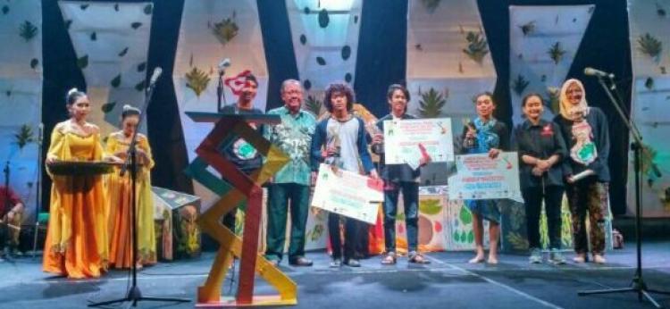 Teater Tuman Sabet Juara II Festival Monolog Mahasiswa se-Jateng